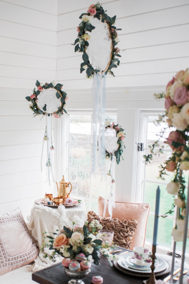 floral dream catcher wedding decor