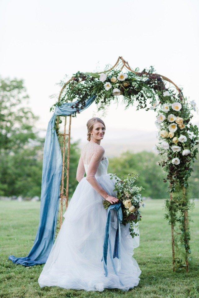 Gorgeous floral arch for your outdoor ceremony