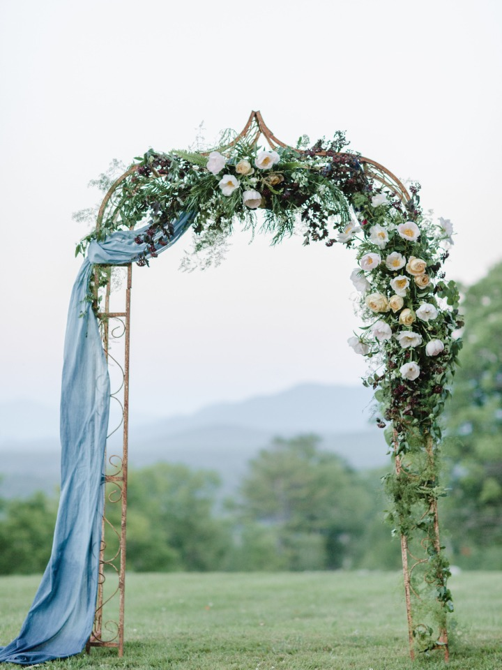 Floral arch for your outdoor ceremony
