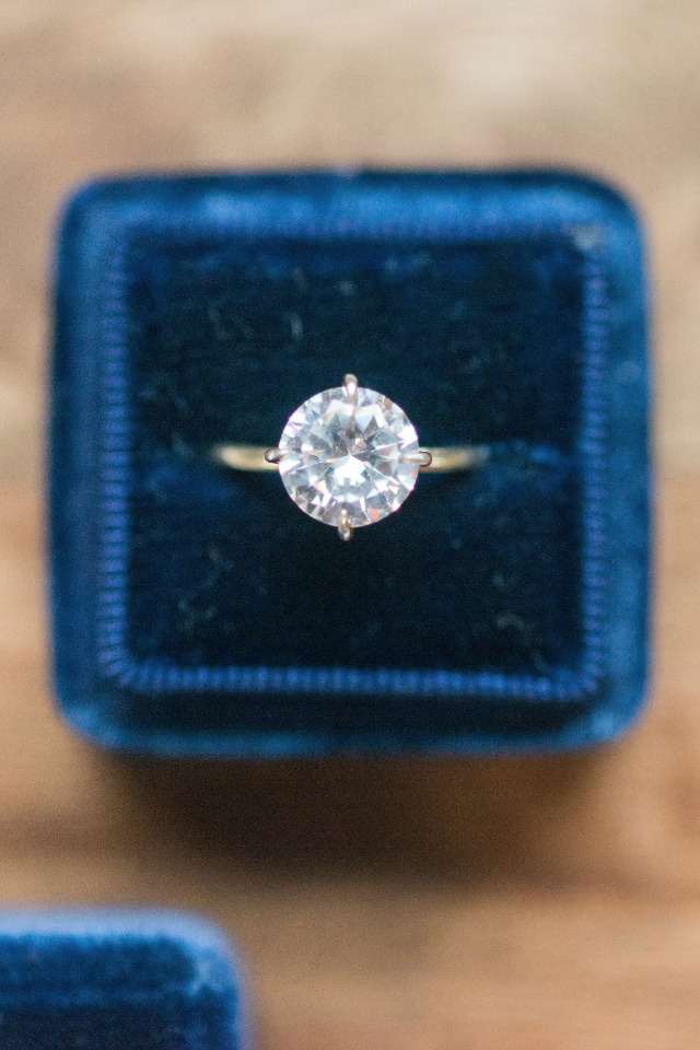 stunning engagement ring and velvet box
