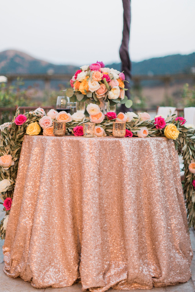 sparkly rose gold wedding sweetheart table