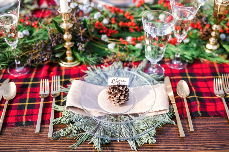 rustic and wintery wedding table