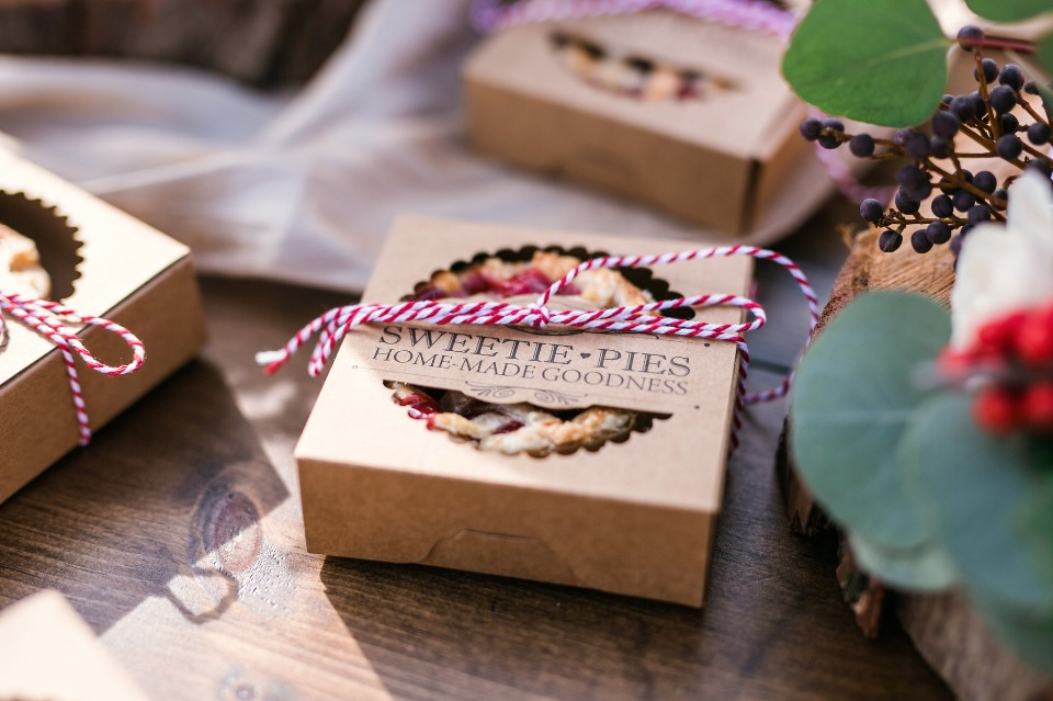 mini pie wedding favors