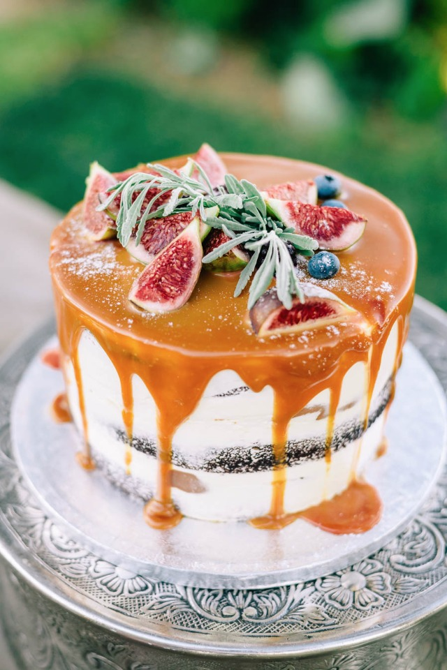 Caramel drizzle cake with figs and blueberries
