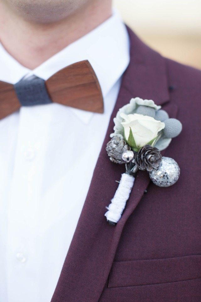 Wood bow tie and boutonniere
