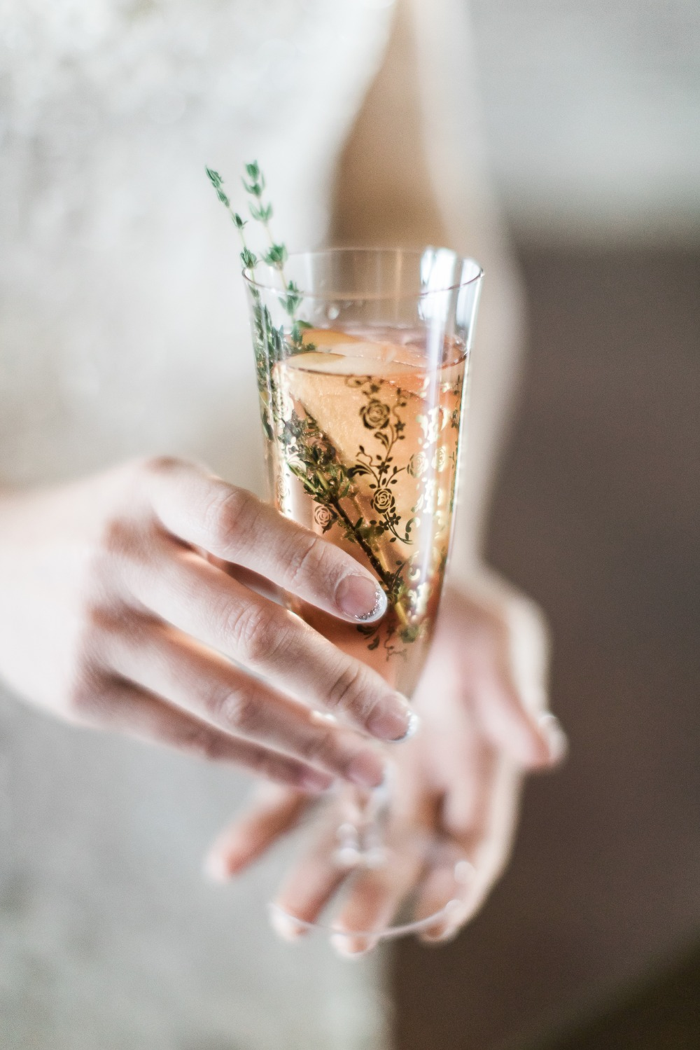 seductively smooth sparkling peach cocktail recipe