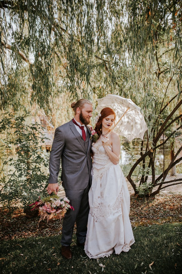 bride and groom with modern and old world style