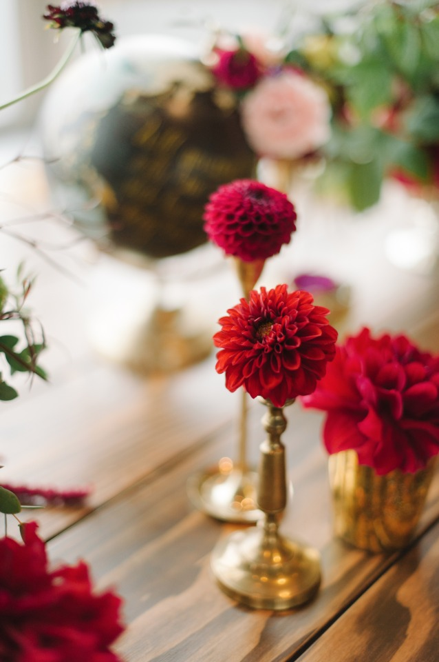 gold and red centerpiece idea