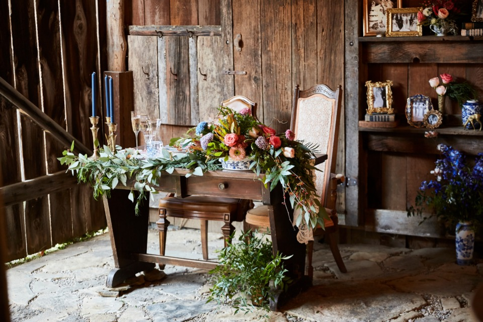 antique table sweetheart table idea