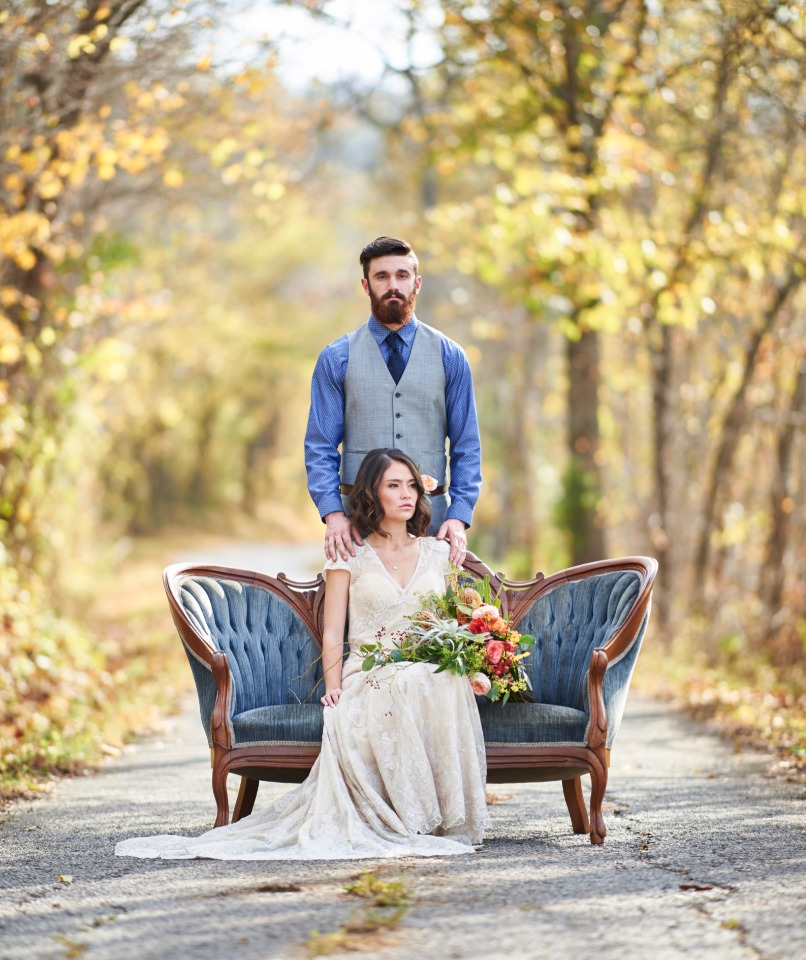 Fall bride and groom wedding photo idea