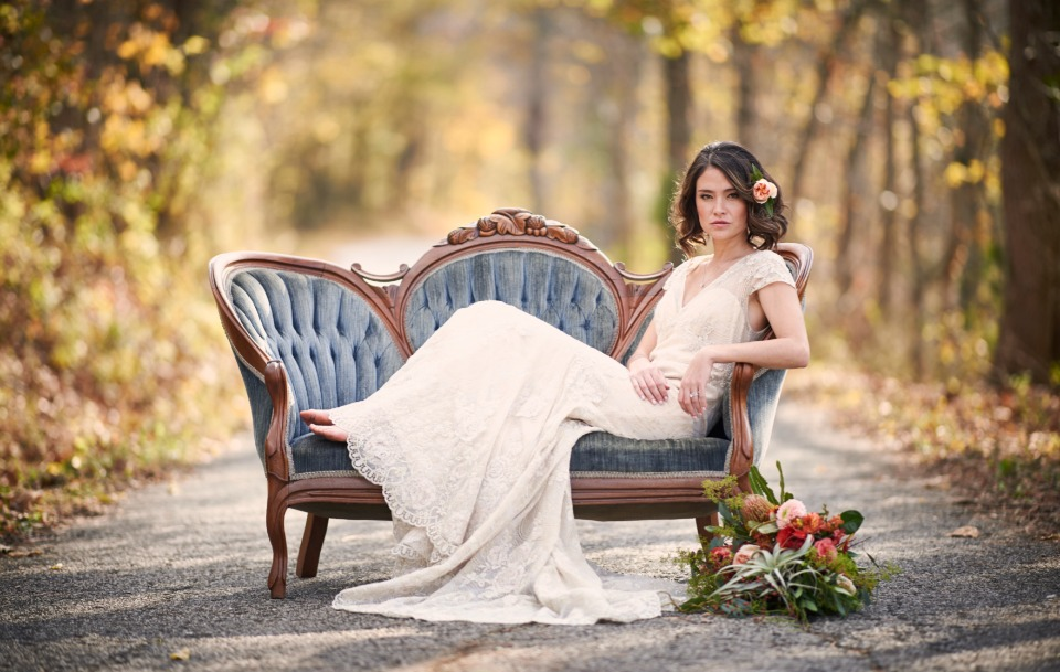 vintage love seat for your bridal portrait session