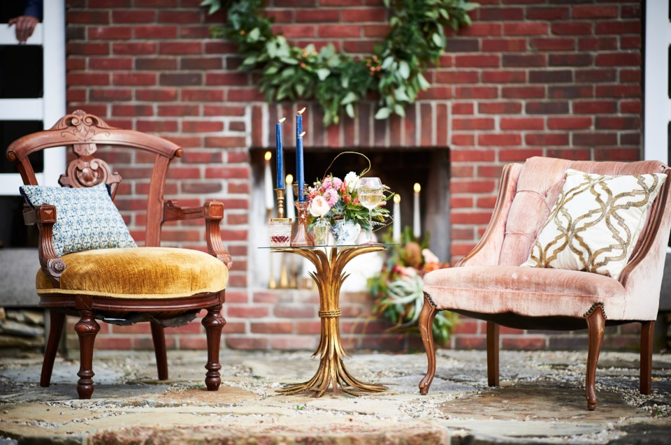 mismatch heirloom chic wedding decor