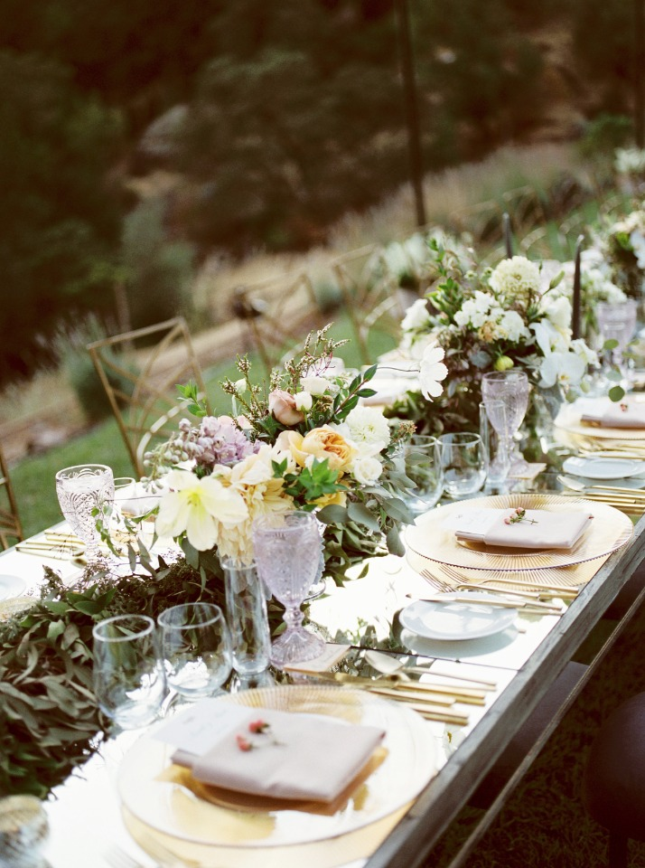 gold and mirrored wedding table