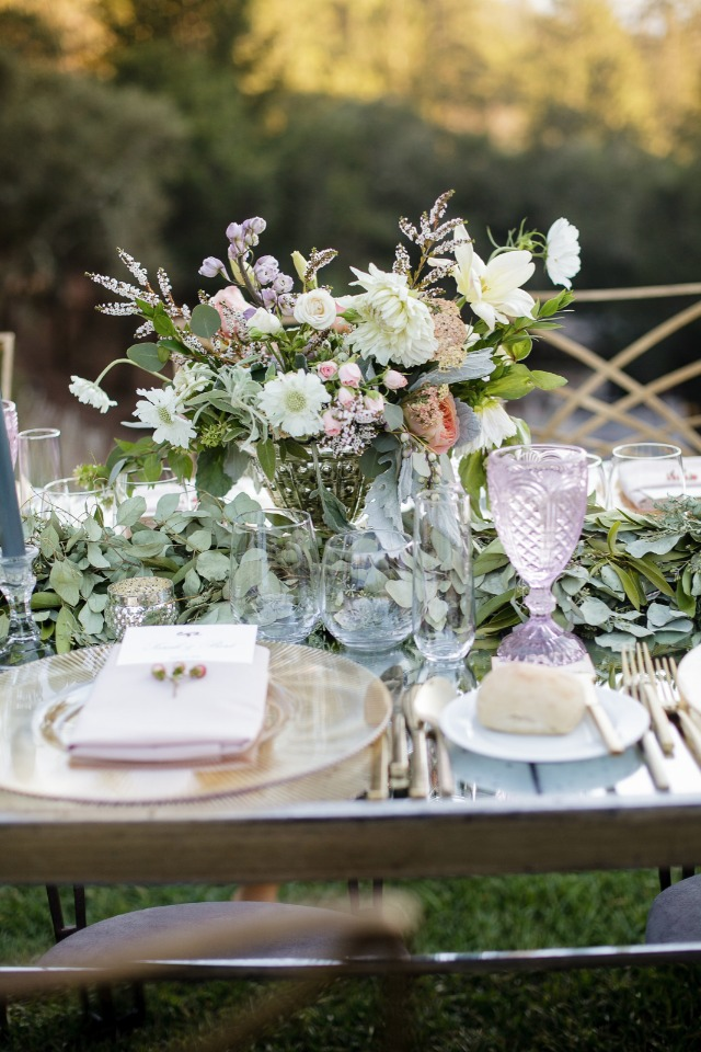 garden fresh wedding table decor