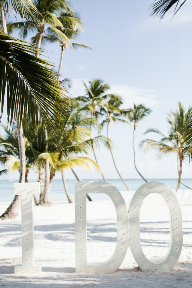 "giant marquee ""i do"" sign"