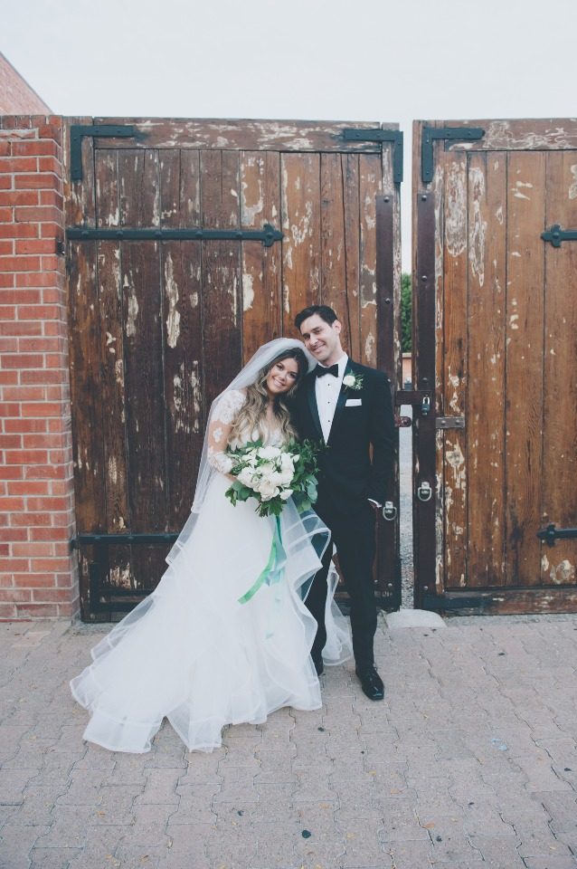 Chic gold and white wedding