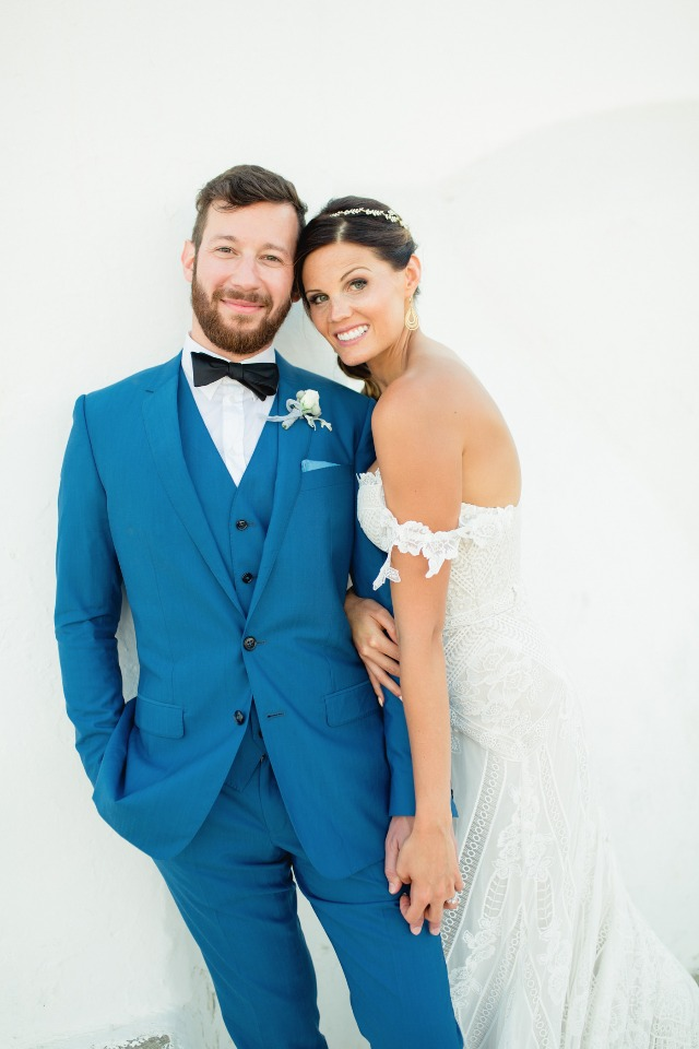 Don't miss their chic wedding in Greece