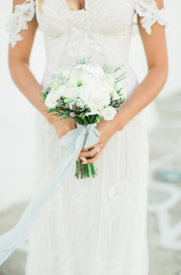 Sweet and simple white bouquet