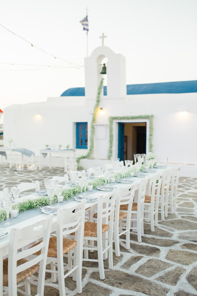 Crisp and clean outdoor reception