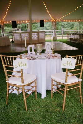 We're Dreaming Of Spring After This Romantic Garden Chic Wedding