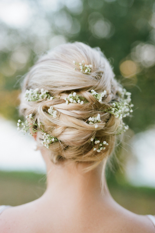 babys breath filled bridesmaid hair