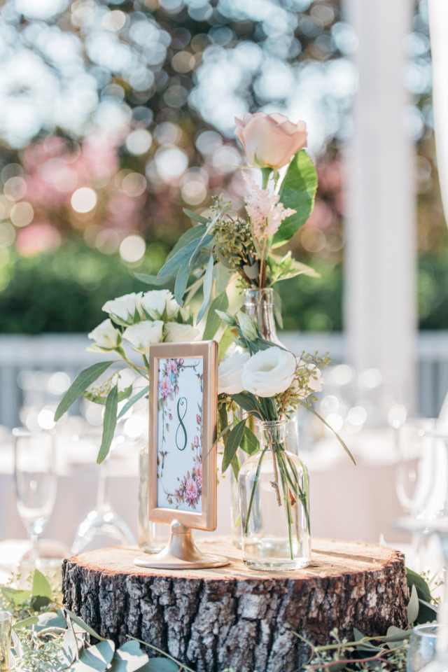 wood stump wedding centerpiece ideas
