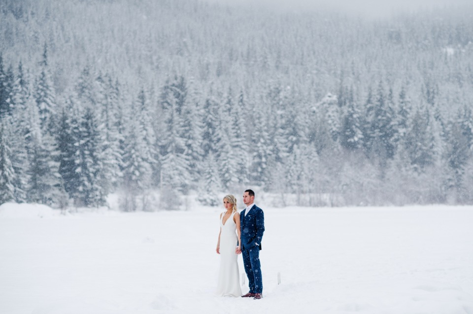 Cozy up to this winter wedding