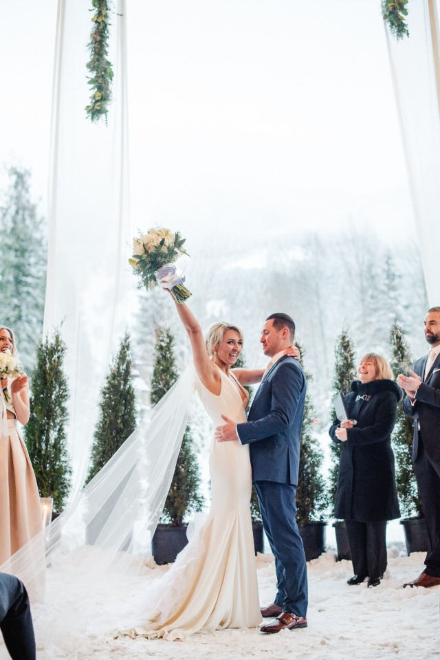 Love their winter wonderland wedding