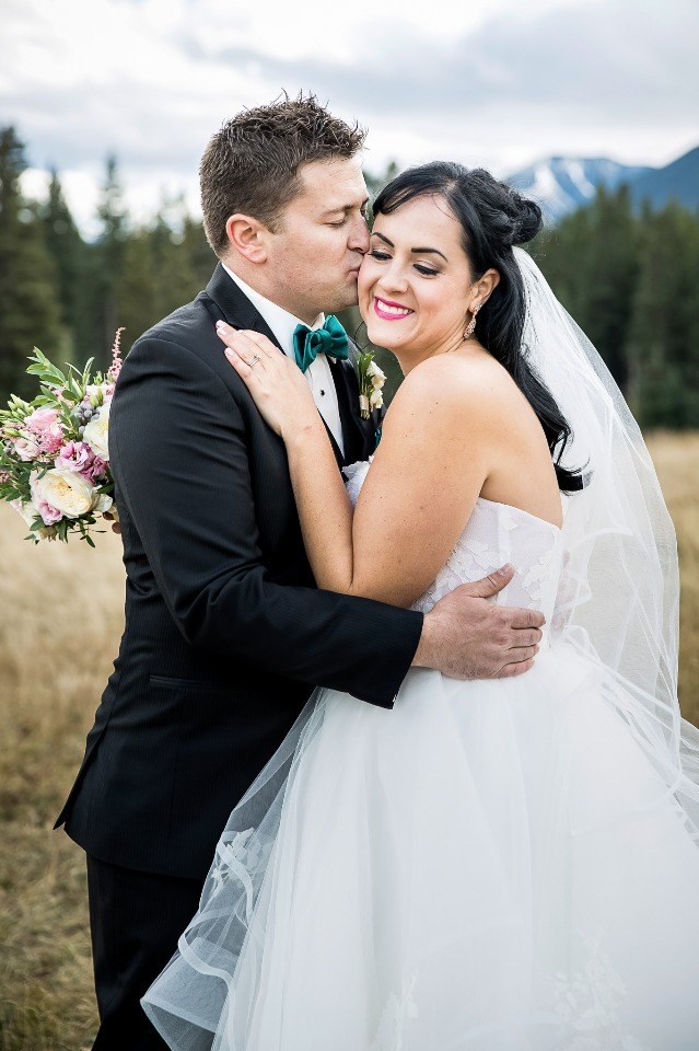 Romantic outdoor wedding in Alberta