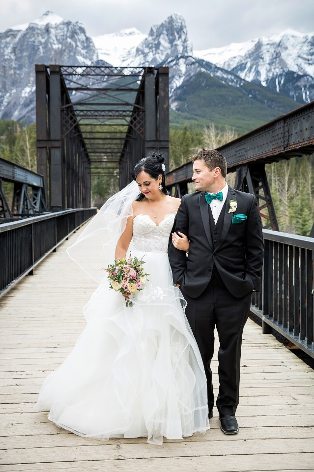 Outdoor wedding for the adventurous couple