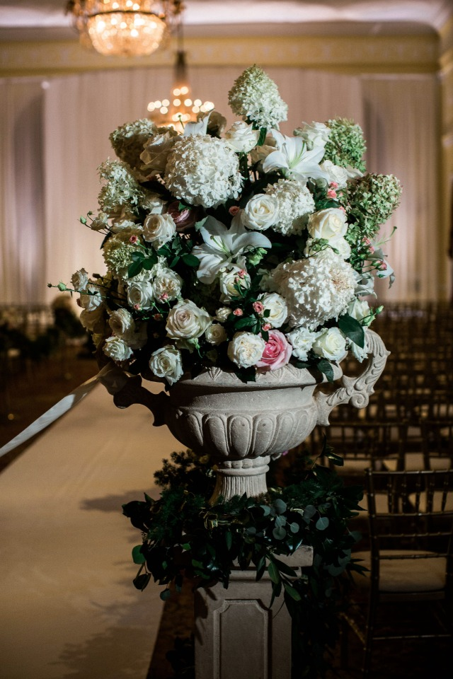 classic wedding flower arrangement