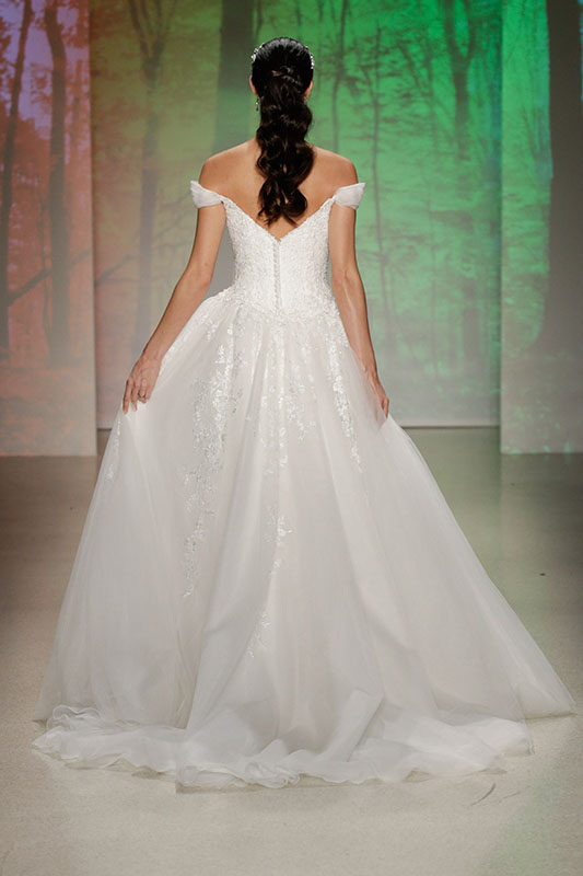 Disney princess inspired wedding ideas for Fairytale inspired wedding dresses