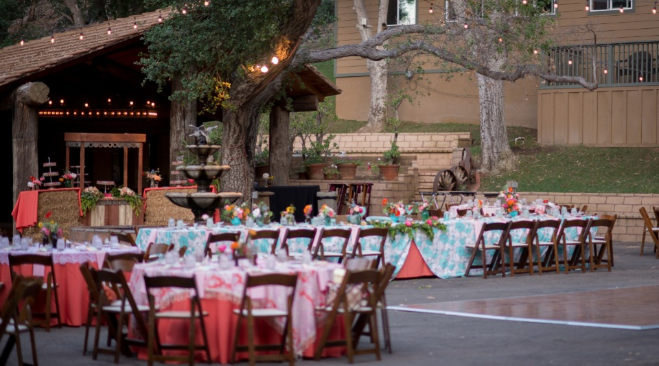 Charming outdoor reception
