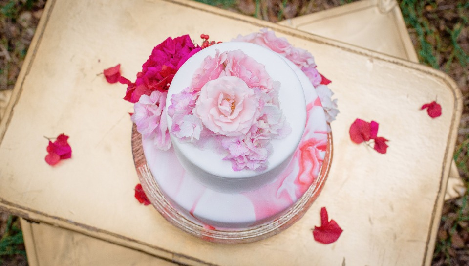 soft pink watercolor wedding cake