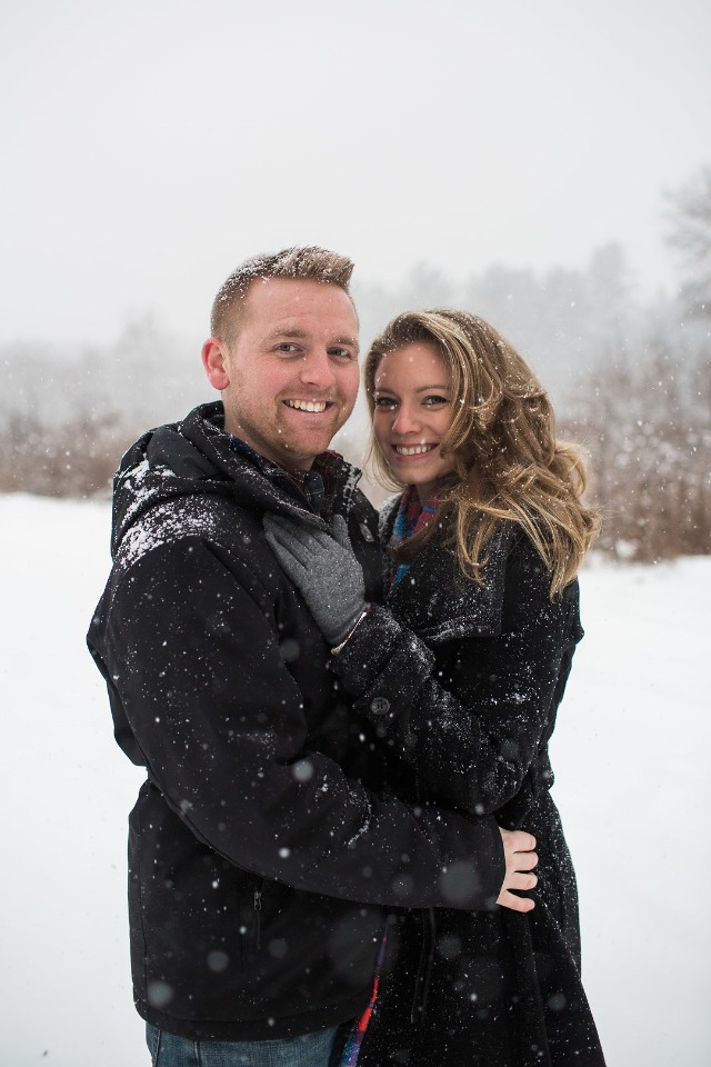 winter engagement shoot idea
