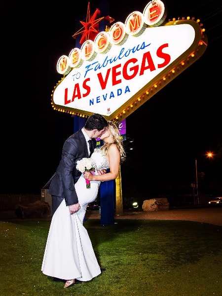 This Is How To Get Married In Vegas