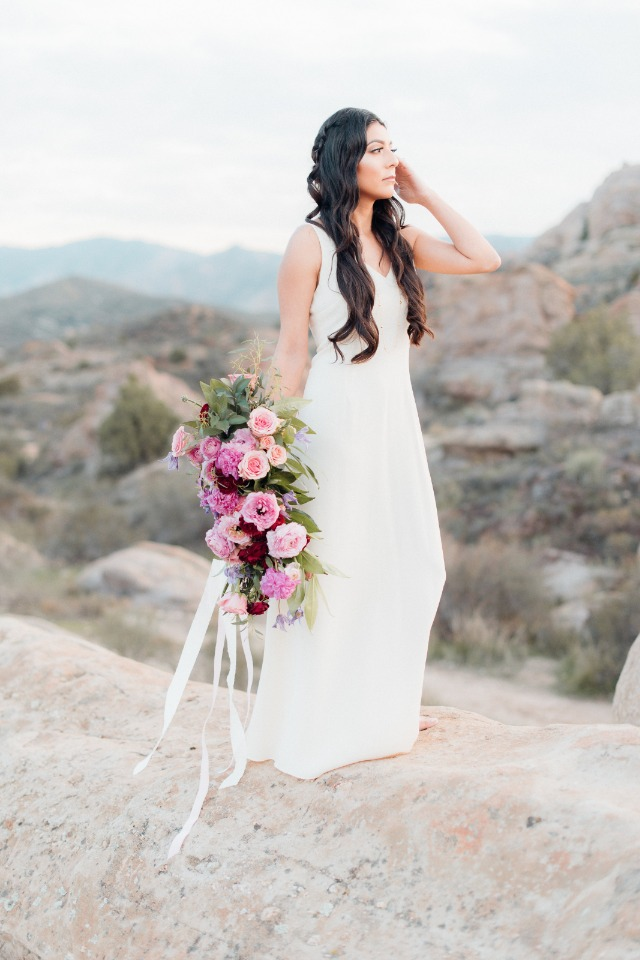 Stunning bridal portrait in the desert