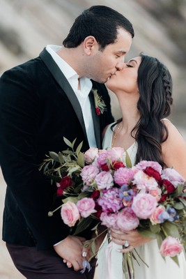 Fall Head Over Heels In Love With This Romantic Valentines Day Shoot