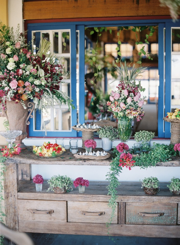 rustic shabby chic floral decor