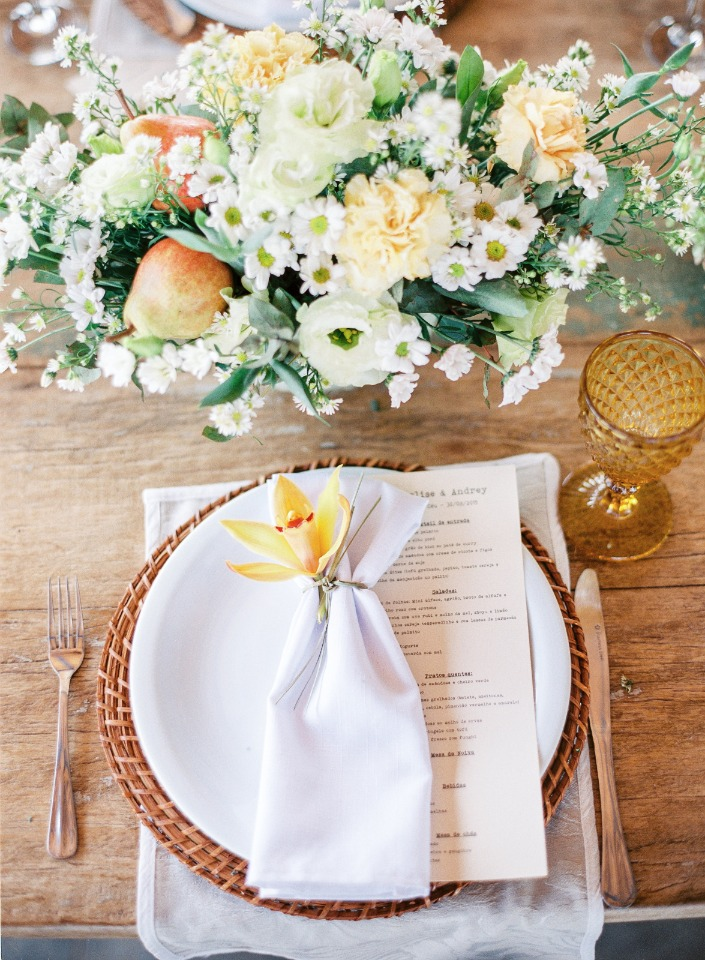 soft and summery wedding table decor
