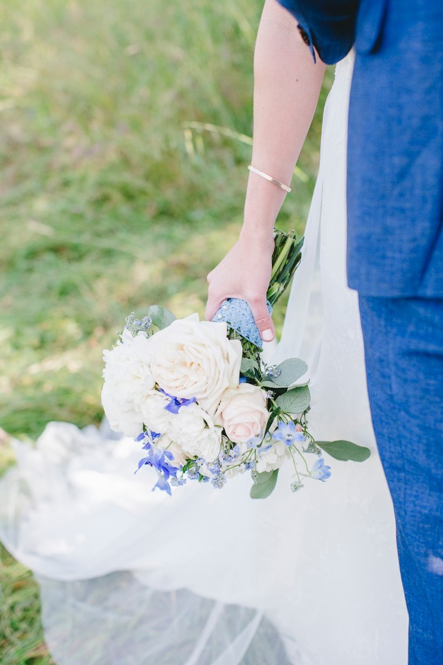 wedding bouquet in white and blue
