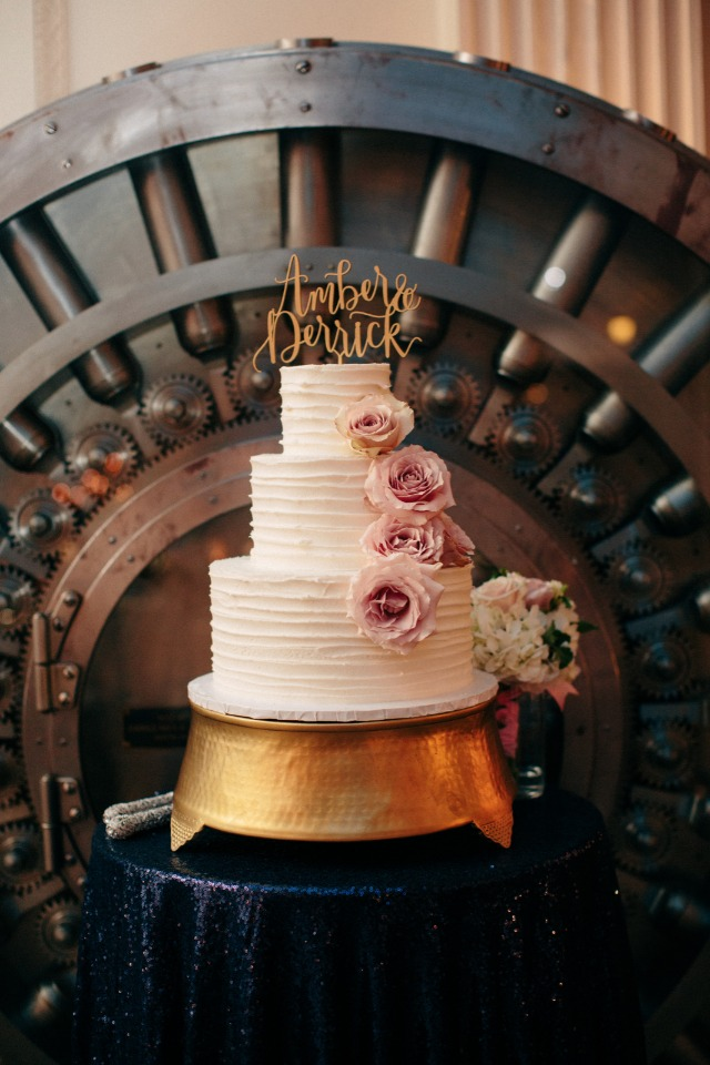 Lovely cake with cascading roses