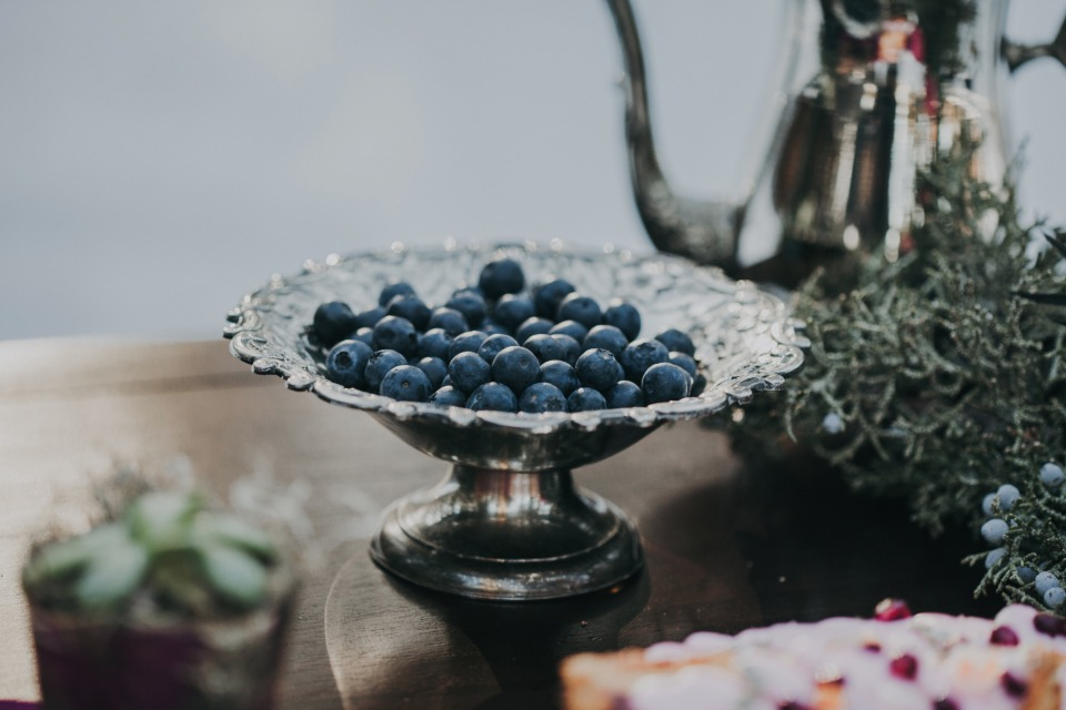berry delicious wedding decor
