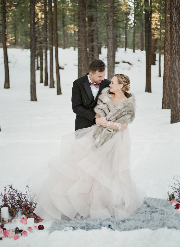 beautiful snowy elopement ideas