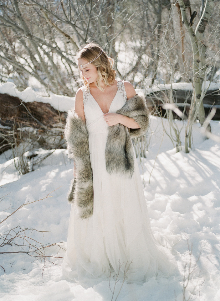 fur shawl for winter wedding