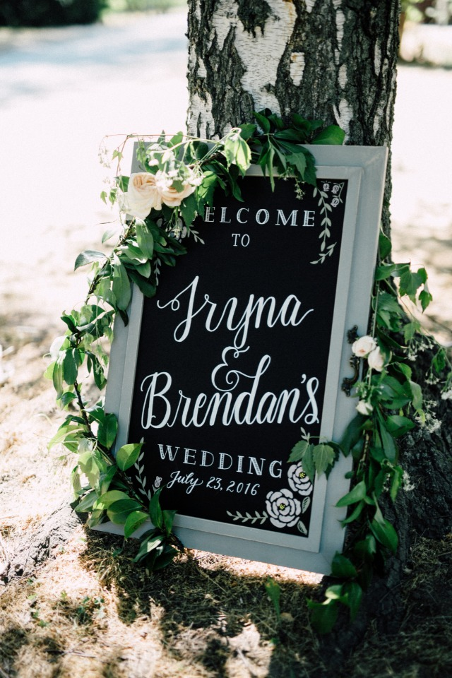 Beautiful welcome wedding sign