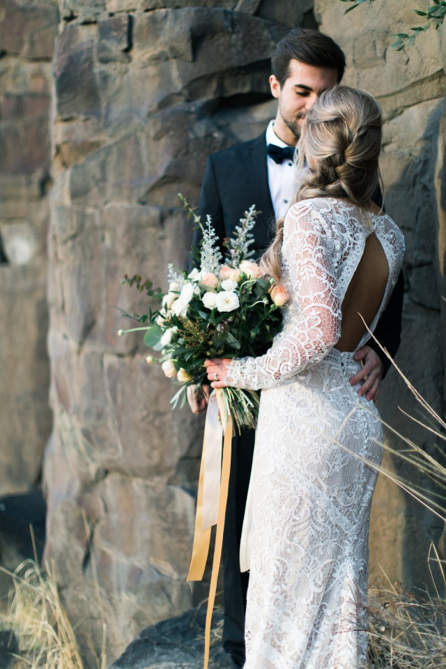 how to have your wedding ceremony with a beautiful backdrop