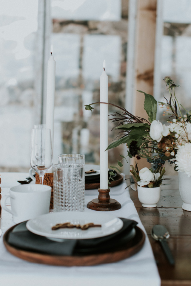 tall candle wedding table decor