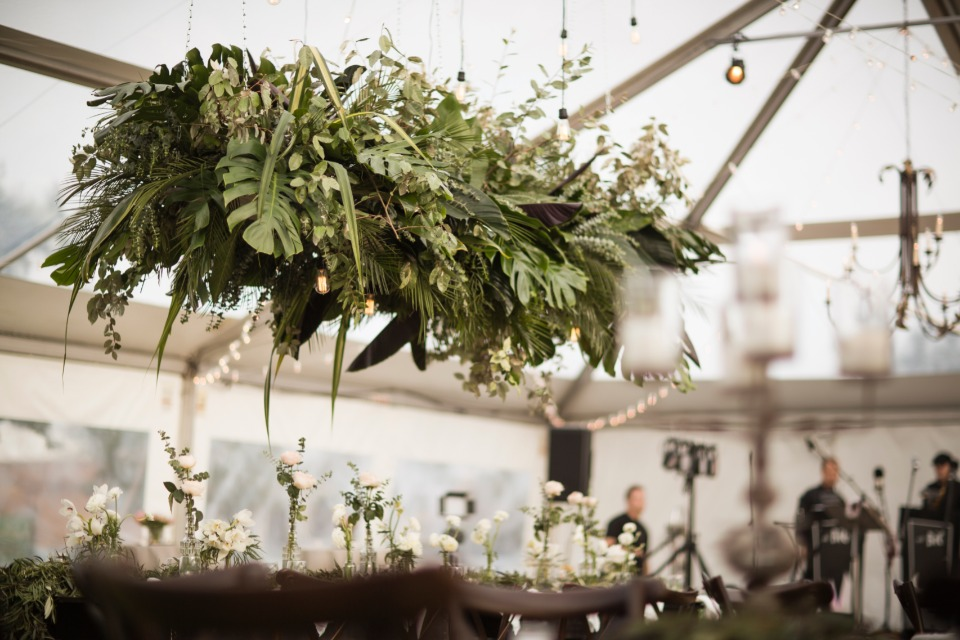 Greenery table halo