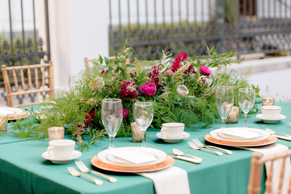 gold and green table decor